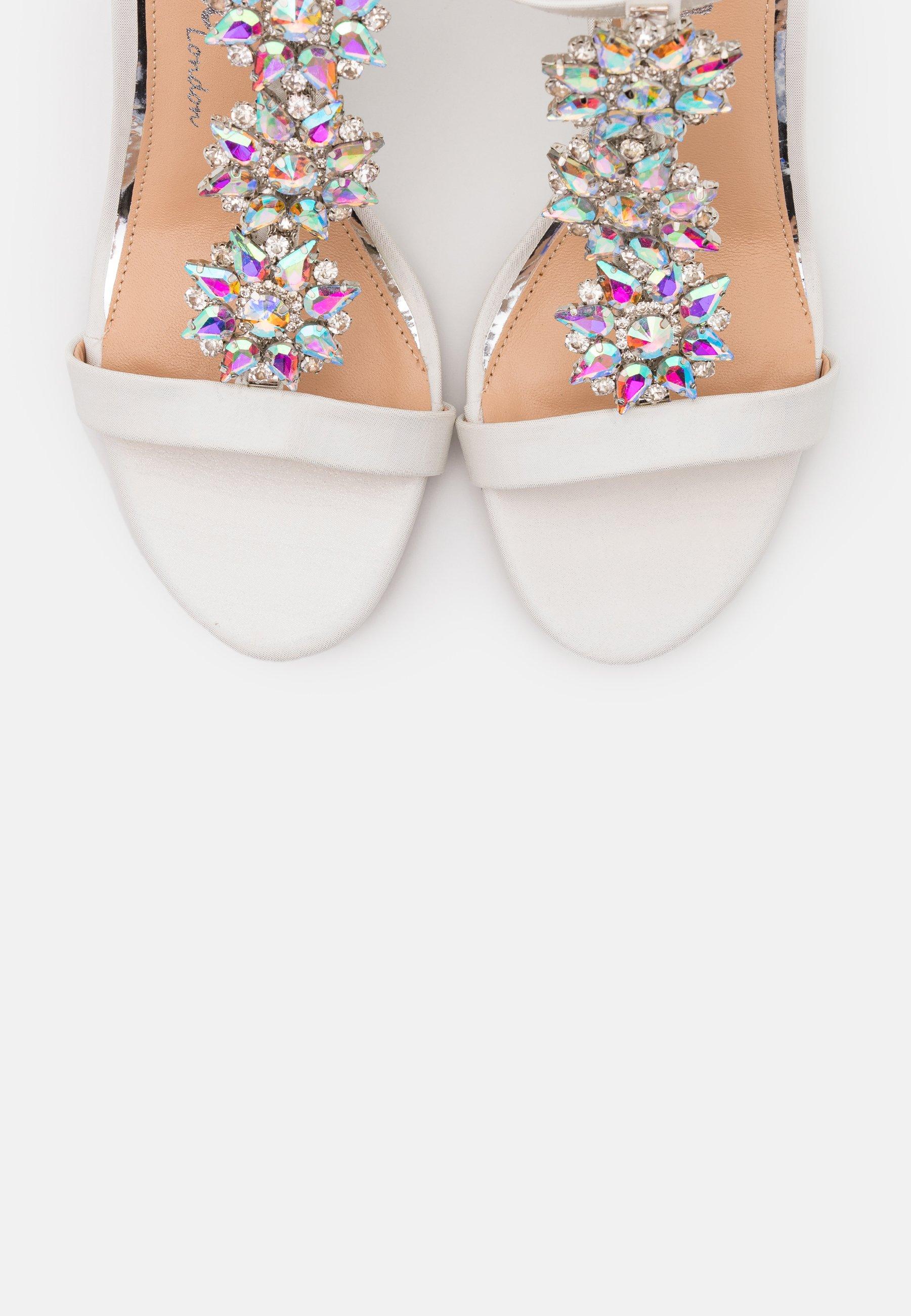 LIZZIE WEDGE Sandaletter white