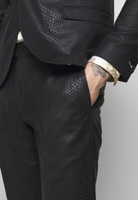 Twisted Tailor - KARNES  SUIT - Completo - black - 8