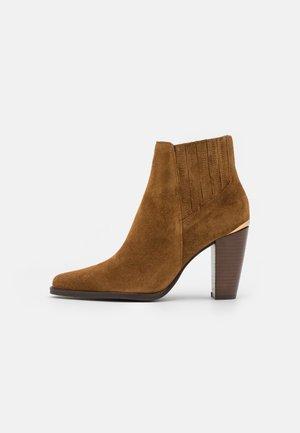ACACIO - Kotníková obuv - cannelle