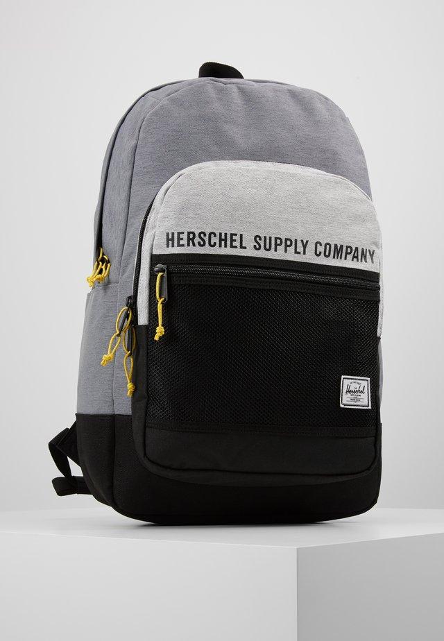 KAINE - Rucksack - mid grey crosshatch/light grey crosshatch/black