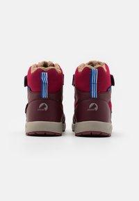 Finkid - LAPPI UNISEX - Zimní obuv - persian red/cabernet - 2