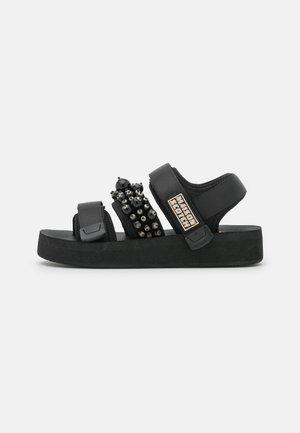 LYDIA  - Platform sandals - schwarz