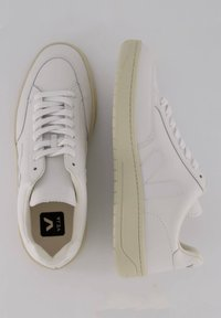 """Veja - """"V-12"""" - Trainers - weiss - 1"""