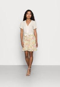 VILA PETITE - VISELENE WRAP SKIRT - A-line skirt - birch - 1