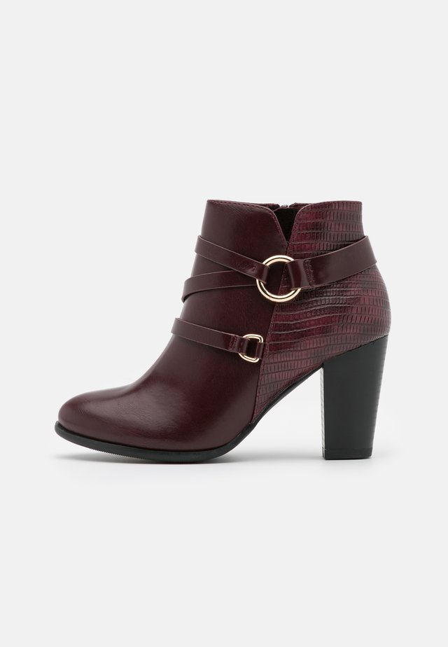 WIDE FIT WAVE - Ankle boots - berry