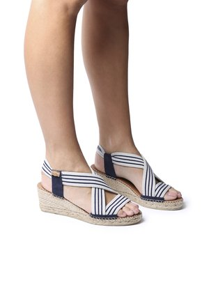 TINA - Sandals - ecru-navy