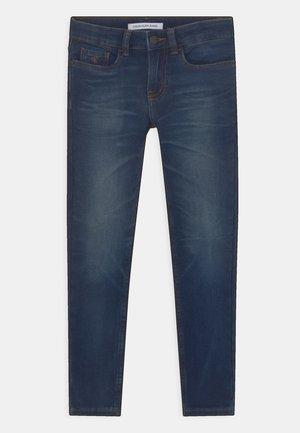 SKINNY - Jeans Skinny Fit - washed blue