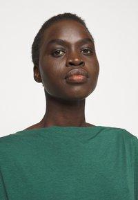 WEEKEND MaxMara - MULTID - T-shirt basique - gruen - 3