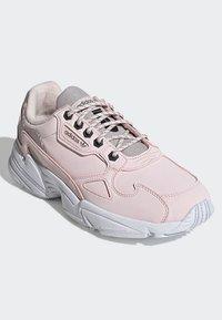 adidas Originals - SHOES - Sneakersy niskie - pink - 3