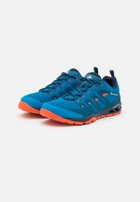 Columbia - VAPOR VENT - Hiking shoes - pool/red quartz - 1