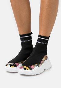 Versace Jeans Couture - Vysoké tenisky - multicolor - 0