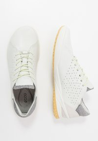 ECCO - BIOM LIFE - Sneakersy niskie - white - 1