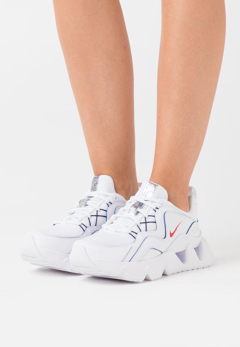 Nike Sportswear - RYZ 365 - Sneakers basse - white/university red/midnight navy