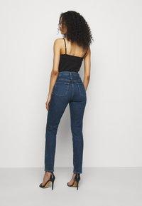 J Brand - RUNWAY HIGH RISE SLIM STRAIGHT - Straight leg jeans - pacific - 2