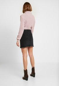 Glamorous - CROP ROLL NECK - Sweter - dusty pink - 2
