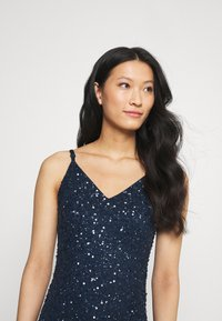 Maya Deluxe - DELICATE SEQUIN FISHTAIL MAXI DRESS - Ballkjole - navy - 3