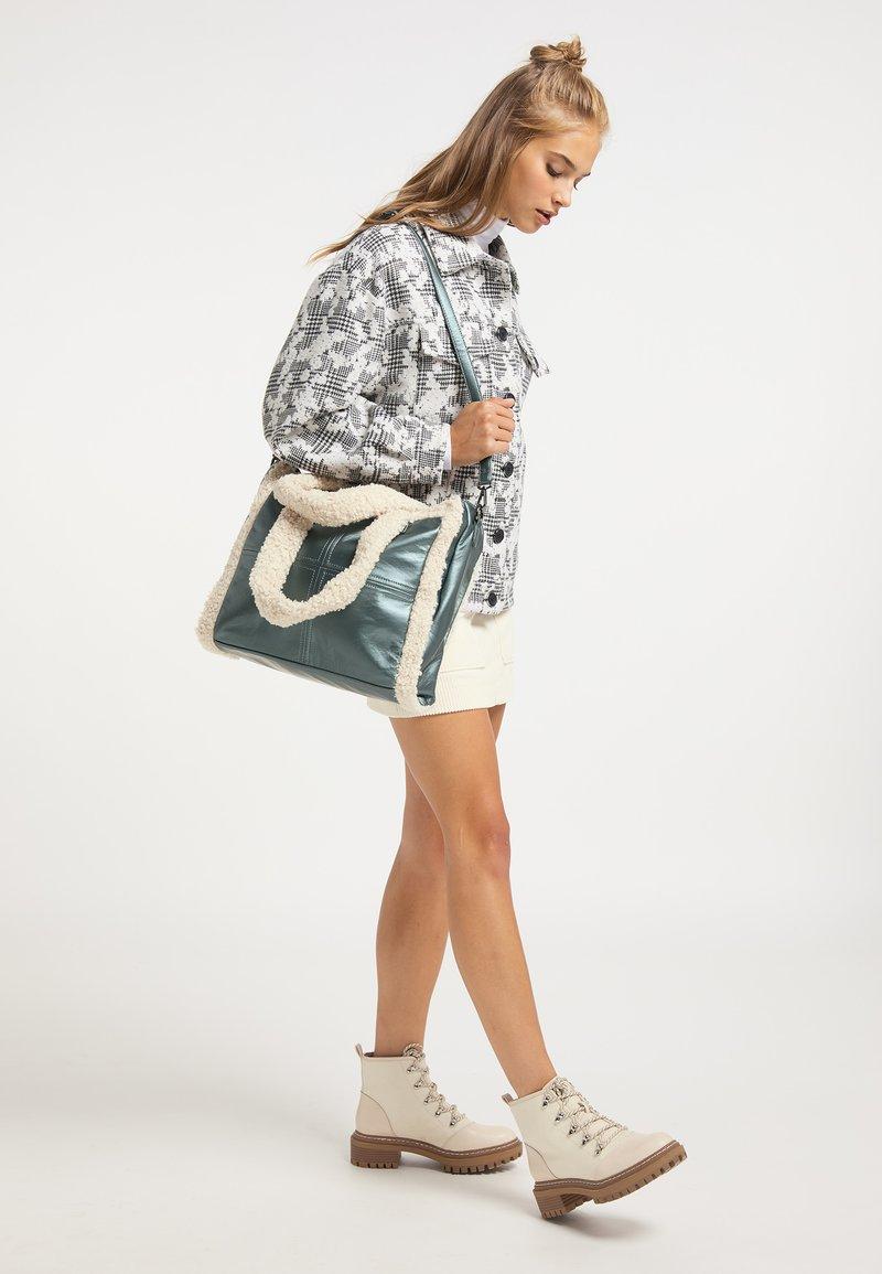 myMo - Handbag - moos