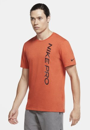 BURNOUT - Camiseta estampada - mantra orange/mystic dates