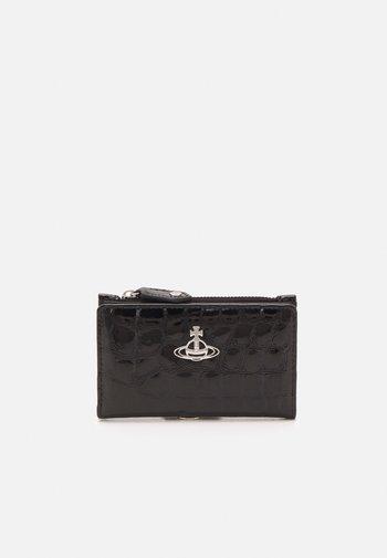ARCHIVE ORB SLIM FLAP CARD HOLDER UNISEX - Wallet - black/silver-coloured