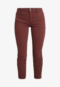 Yargici - FOLD DETAILED TROUSER - Slim fit jeans - bordeaux - 4
