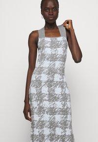 Proenza Schouler White Label - GINGHAM JACQUARD KNIT DRESS - Jumper dress - grey melange/sky - 5