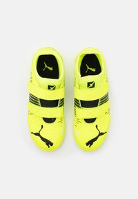 Puma - FUTURE Z 4.1 IT V JR UNISEX - Indoor football boots - yellow alert/black/white - 3