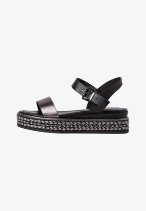 Sandály na platformě - black ant comb