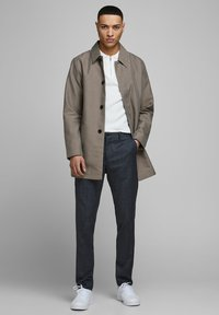 Jack & Jones PREMIUM - Cappotto corto - brown stone - 1