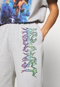 NEW girl ORDER - TIE DYE SPORT - Pantalones deportivos - grey - 4