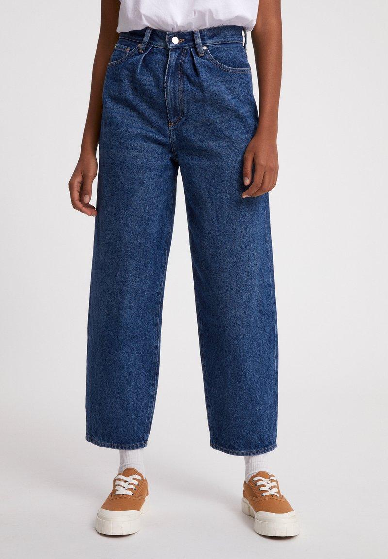 ARMEDANGELS - AANIKE - Straight leg jeans - retro washed