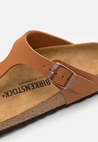 Birkenstock - GIZEH UNISEX - T-bar sandals - ginger brown - 5