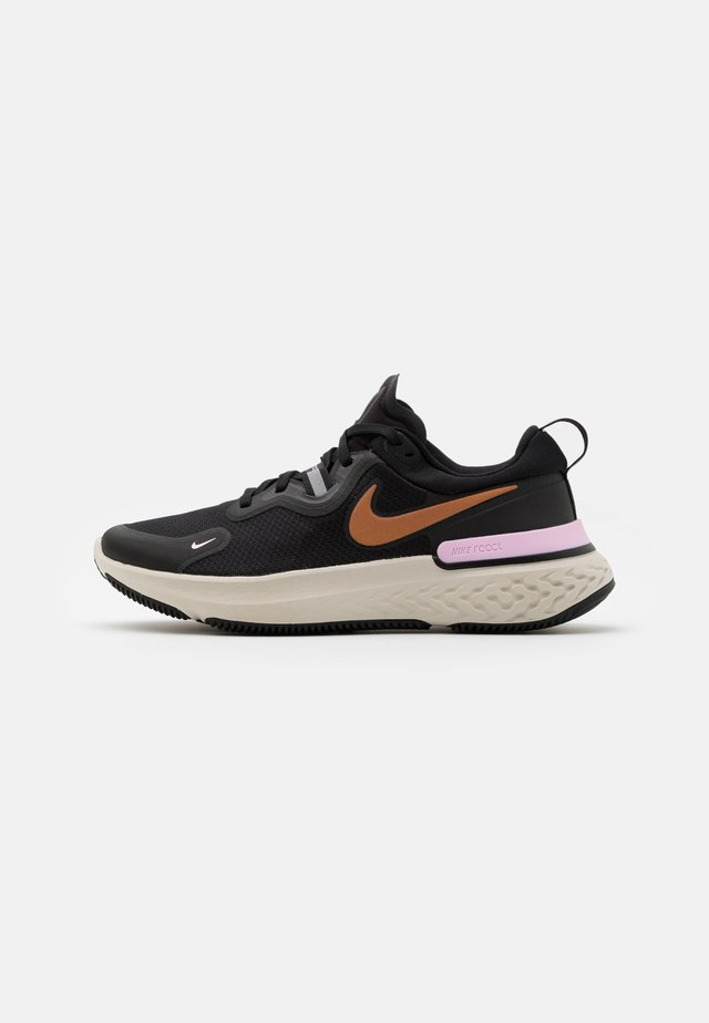 REACT MILER - Obuwie do biegania treningowe - black/metallic copper/light arctic pink/light orewood brown