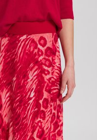 Marc Aurel - A-line skirt - red varied - 3