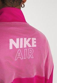 Nike Sportswear - AIR - Sudadera - fireberry/white - 5
