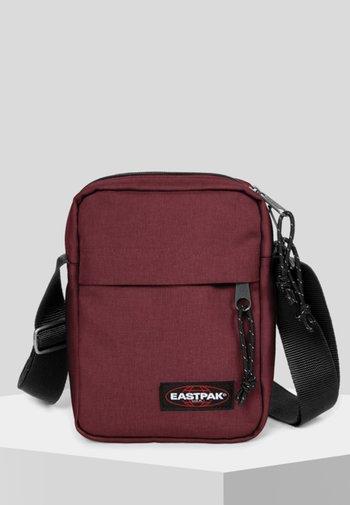 CORE COLORS/AUTHENTIC - Across body bag - red/bordeaux