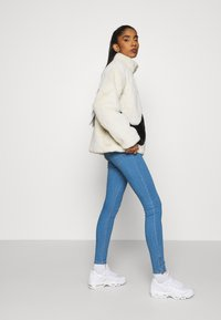 ONLY - ONLKENDELL LIFE  - Jeans Skinny Fit - light blue denim - 3