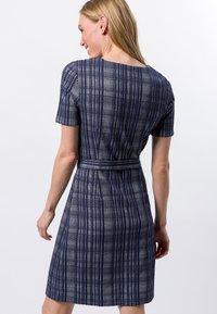 zero - Day dress - velvet blue - 2
