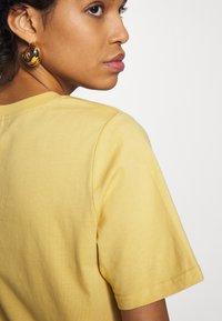Carin Wester - SAFFI - Camiseta básica - yellow - 5