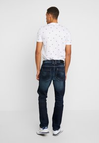 TOM TAILOR - TRAD - Relaxed fit jeans - dark stone wash denim blue - 2