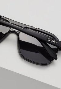 QUAY AUSTRALIA - NEMESIS - Sluneční brýle - black - 4