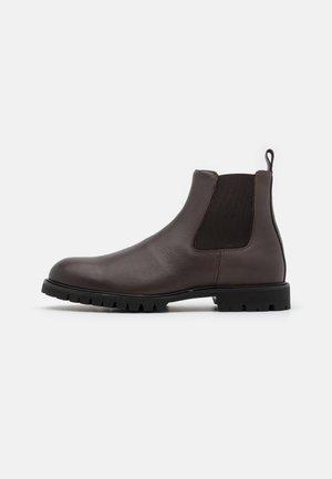 COMMANDO CHELSEA - Korte laarzen - brown
