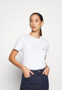 Tommy Jeans - REGULAR C NECK - Basic T-shirt - white - 0