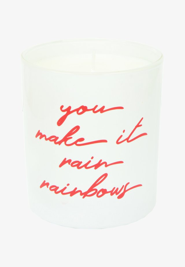 CANDLE - Geurkaars - you make it rain rainbows - love bug