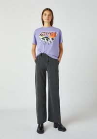 PULL&BEAR - T-shirt imprimé - purple - 1