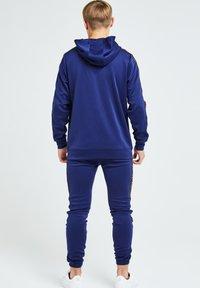 Illusive London Juniors - ILLUSIVE LONDON PATRIOT  - Verryttelyhousut - blue , orange - 1