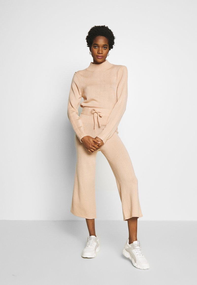 Missguided - HIGH NECK SLEEVE DETAIL JOGGERS  - Strikkegenser - pink