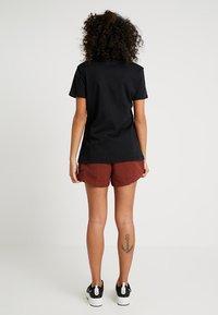 Nike Sportswear - TEE ICON FUTURA - Printtipaita - black/(white) - 2