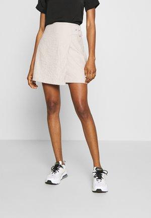 BELTED MINI SKIRT - A-snit nederdel/ A-formede nederdele - beige