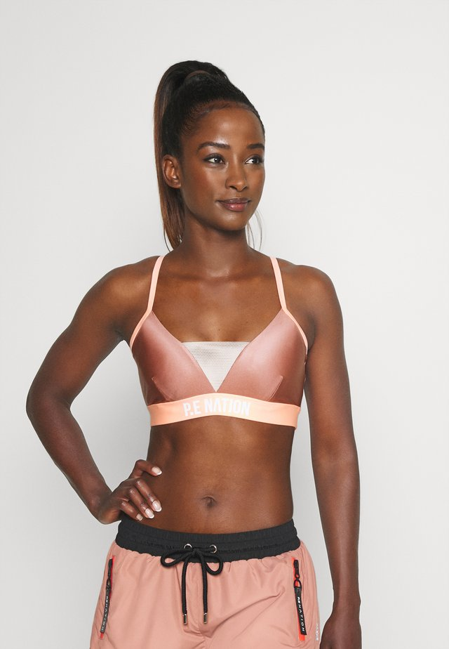 CENTRE MARK SPORTS BRA - Medium support sports bra - pink/coral
