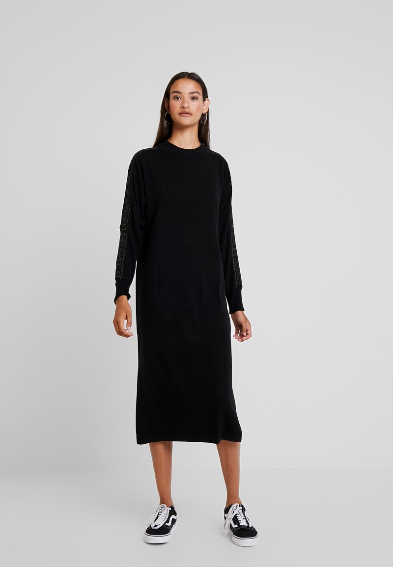 Le Temps Des Cerises - Maxi dress - black